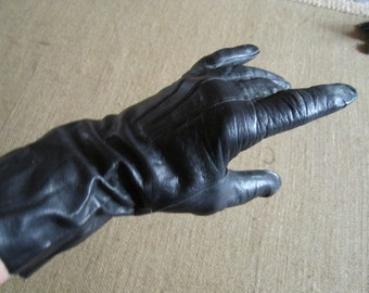 Vintage Italian  Black Leather Gloves size 7
