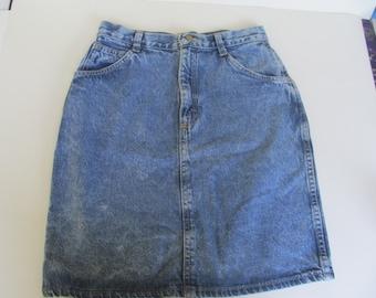 Jeans Skirt - Pencil Skirt -size 9 - 25'' waist - stone washed - vintage blue  Denim Skirt