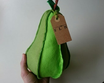 Pear rattle - Large