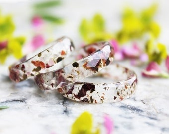 eco resin ring with green tea leaves, rose petals and gold flakes - nature inspired jewelry - botanical ring