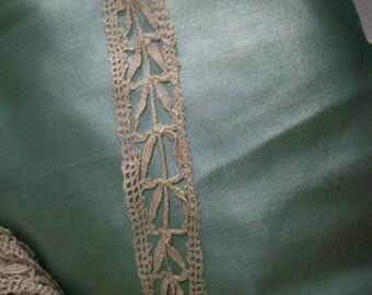"""Antique pure silk lace 3/4 """" wide pretty pattern Italian 1800s"""