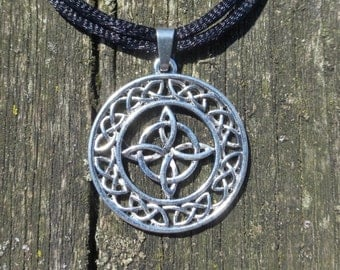 Silver Celtic Surround Quaternary Knot Pendant With Adjustable Black Cord Choker Necklace - Witch - Wiccan - Pagan
