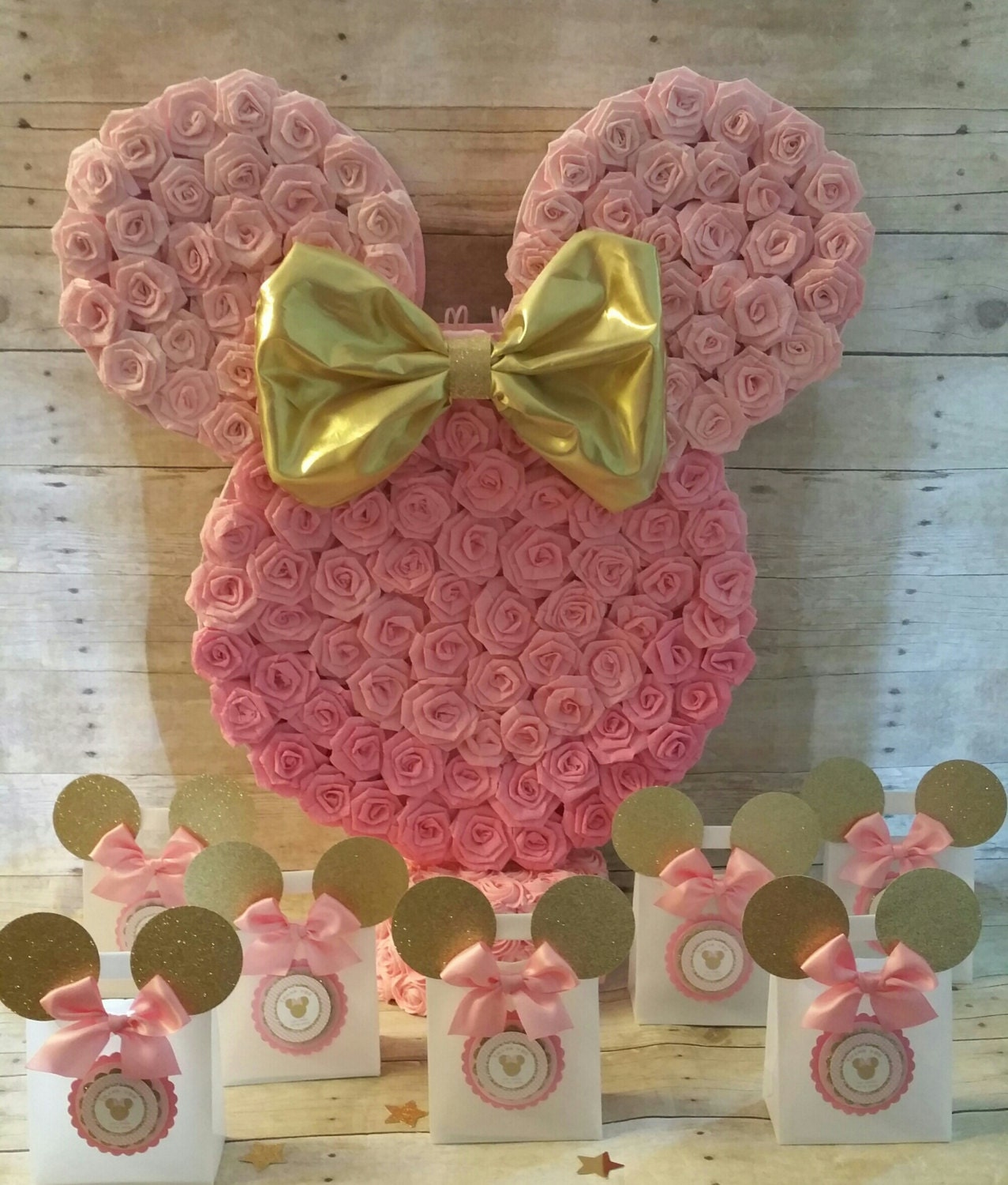 Decoracion Minnie Gold ~ gold Minnie Mouse Pi?ata!!Gold Minnie Mouse Party favors, gold Minnie