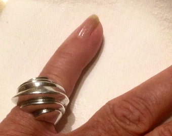 Sterling Silver ring, marked 925, seashell, size 54