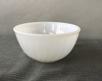 Vintage Fire King Swirl Mixing Bowl, Anchor Hocking Swirl, Anchor White | white milk glass bowl, small glass kitchen bowl, white mixing bowl