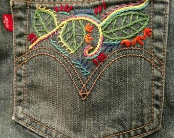 Hand Embroidered Levis Ladies Capri's Size 8
