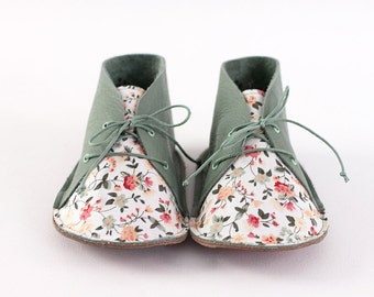 Baby shoes, size 6-12 month, musk green leather and cotton