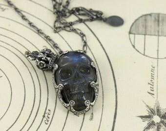 The king - Skull necklace - Dia de la muerte necklace - Crown necklace - Mexican skull necklace - Labradorite skull - Handmade