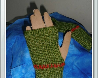 Green fingerless and thumbless mitts.