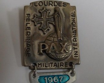 ancient religious heavy international military pilgrimage 1967 medal brooch