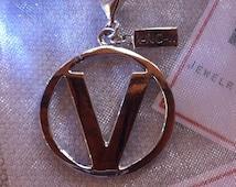 sterling silver v for vegan pendant