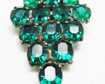 Beautiful Vintage 1930s Pot Metal Art Deco Emerald Green Rhinestone Dress Clip