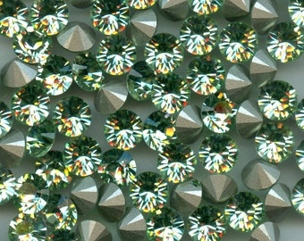 1028 SS39 CH***  6 Swarovski rhinestones point back SS39 (8,3mm) chrysolite