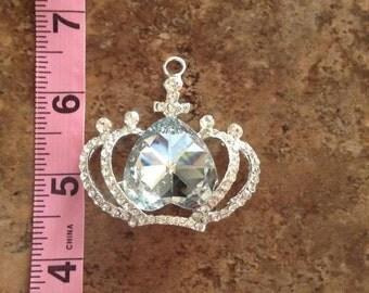 crown rhinestone pendant