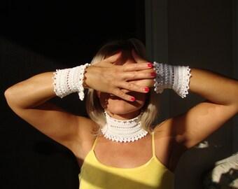 Wedding White Crochet Collar and Cuffs Set...Choker and Cuffs Boho...Crochet Jewelry...Handmade...Wedding Fashion...