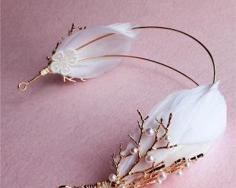 Vintage bridal feather headband.