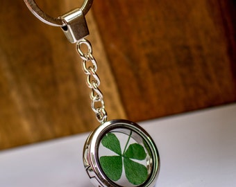 Silver Medallion keychain with a real, pressed shamrock filled, Real Four Leaf Clover, Lucky Charm, Birthday Gift, Mother's Day, keychain