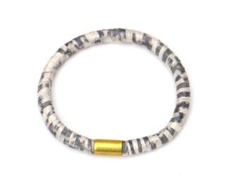Yarn wrapped rope bangle gray white, fiber rope bracelet, gray and white textile bangle, rope jewelry, fabric rope bangle grey