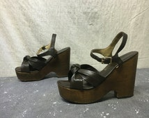 Brown Leather Platform Sandals Wooden Vintage 60s Shoes // Size 8.5 Knot Leather Mod Boho Hippie Chunky Heels Ankle Straps