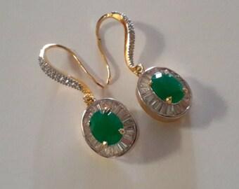 Emrald gold earrings