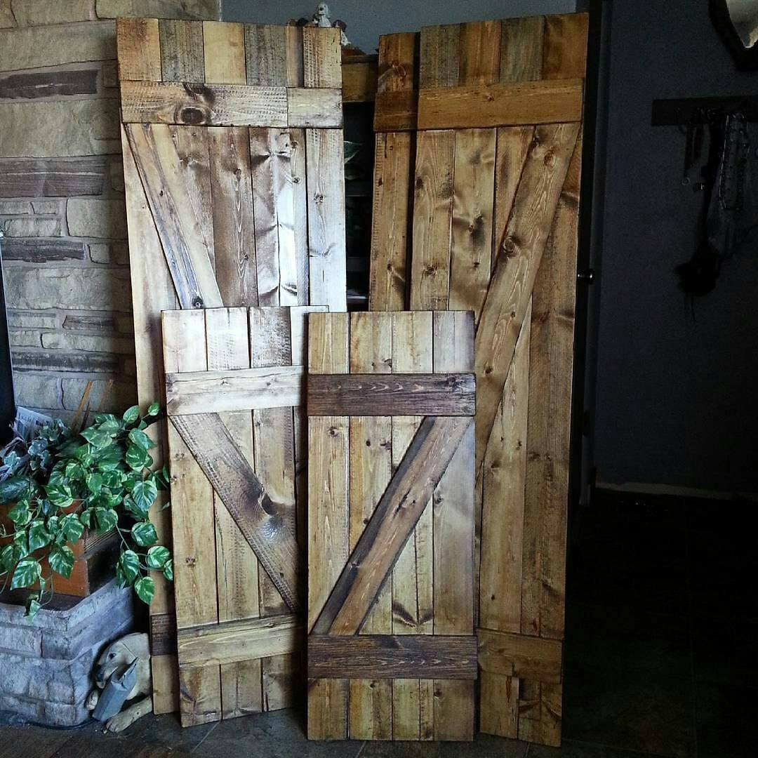 Kitchen dining for How to make shutters from pallets
