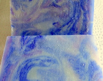 Lavender swirl cold process soap all natural soap essential oil soap aromatherapy soap relaxing soap floral soap bath and beauty purple fru