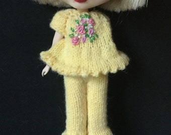 Blythe Doll knitted smock and bloomers