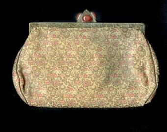 Vintage silk brocade evening bag with fancy carnelian clasp. (hbvn710)