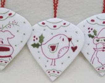 Holly Berry Ornaments   Fignberry Partern only