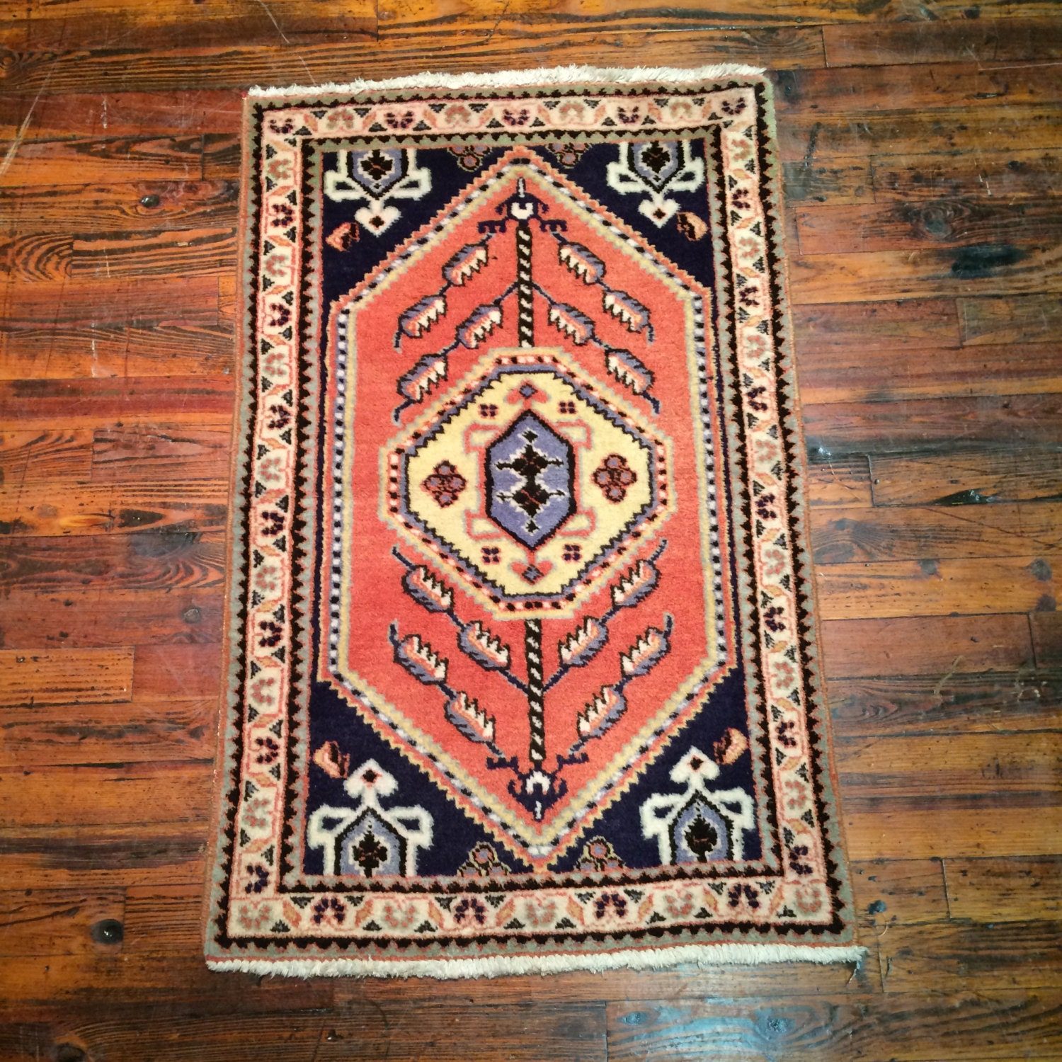 Oriental Rugs Out Of Style: Vintage Persian Rug Lilian Oriental Rug / Floral