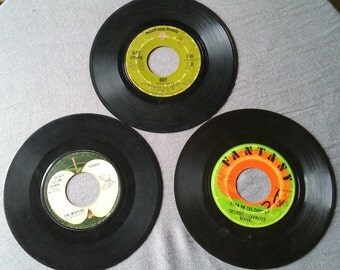 """Lot of 3: Vintage 7"""" Vinyls, 1969-1971; The Beatles, Creedence Clearwater Revival, and Alice Cooper"""