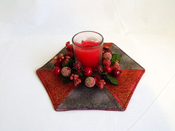 christmas table centre piece, festive candle holder, quilted candle mat, grey, red and gold fabric