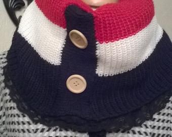 Heater shoulder snood with wide stripes