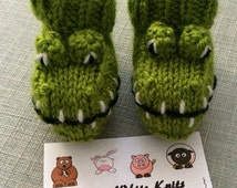 Crocodile knitted baby booties alligator knitted socks handmade unisex baby girl baby boy baby gift knitted boots knitted animal booties