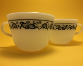 Vintage Old Town Pyrex Coffee Cups / Discontinued Retro Pattern / Milk Glass