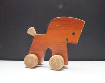 Sale - 25%off - Vintage - wood  - horse - pull toy - wood toy