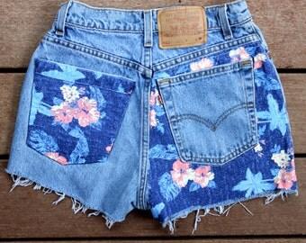 Levi Denim Shorts High Waisted Jean Shorts Frayed Cutoffs 26 Waist