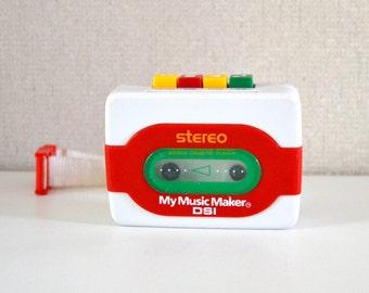 Vintage WALKMAN Stereo Cassette Player /  DSI My music maker / model 43722