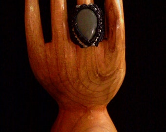 Macramé with mineral Jade ring