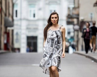 Newspaper print dress // White black dress // Fashion dress //  Adjustable Straps dress // Vintage dress