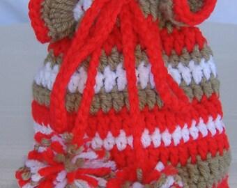 crochet draw string pouch, girls pouch, girls purse, red and taupe purse, crochet girls purse, crochet bag, crochet tote, crochet handbag
