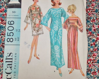 "McCall's Sewing Pattern - 1966 - Woman's robe - size 14 bust 34"" - MPN 8506 - used and complete"