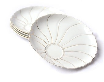 Mid century gold & ivory shell patterned porcelain plates | Set of 5