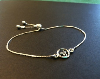 Sterling silver friendship bracelet with Petite Triple Swirl station on adjustable 1mm box chain