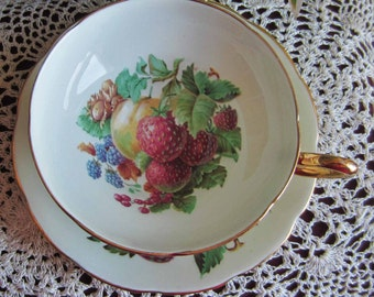 Taylor and Kent 7122 Bone China Tea Cup and Saucer - Made in England