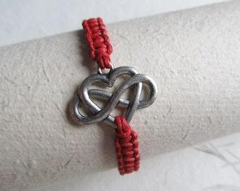 Infinity bracelet, endless love bracelet, macrame bracelet