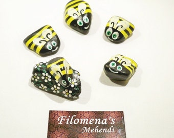 Painted stone, Painted stones, Rock art, Painted rocks, Hand painted stone, Home decor - Flying Bees Hand Painted Stones