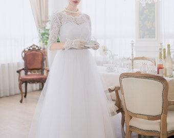 Rachel - Vintage Inspired Lace Tulle Elbow/Quarter Sleeves Wedding Dress