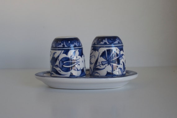 Salt and Pepper Shaker, Ceramic Salt and Pepper Shaker, Handmade Ceramics, Handpainted Salt and Pepper Shaker, Christmas Dinner Table Deco