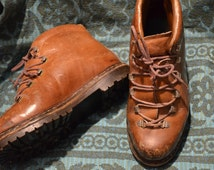 Vintage Hiking/Work Boots Vibram soles brown leather made in italy